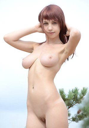 Free Teen Saggy Tits Porn Pictures